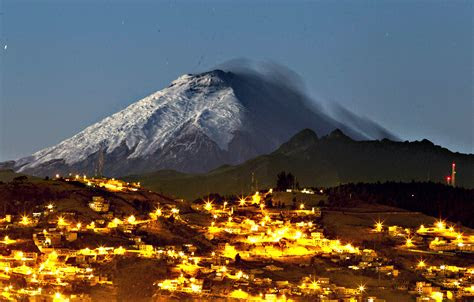 ecuador wallpapers images  pictures backgrounds