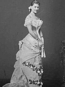 Helen wearing a dress with deep cuirasse   Grand Ladies   gogm