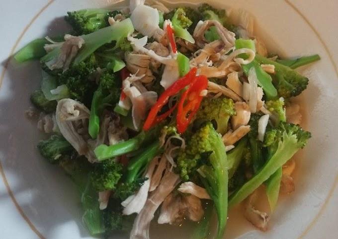 Bagaimana Membuat Ayam suwir brokoli, Lezat Sekali