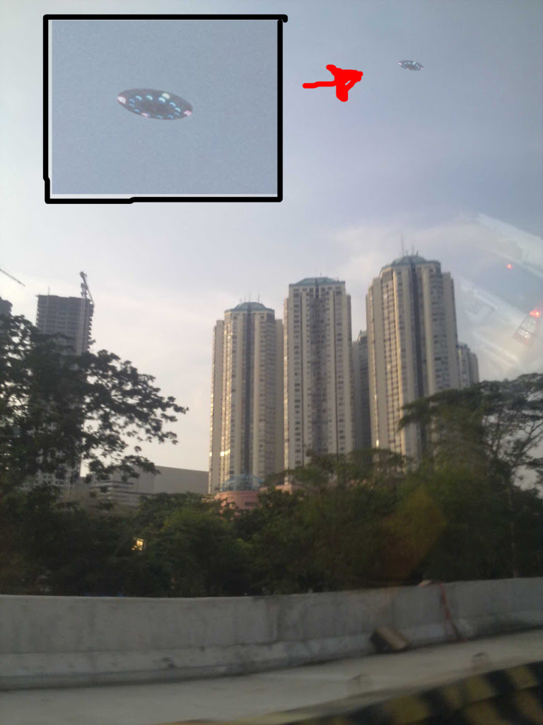 Penampakan UFO di Blok M