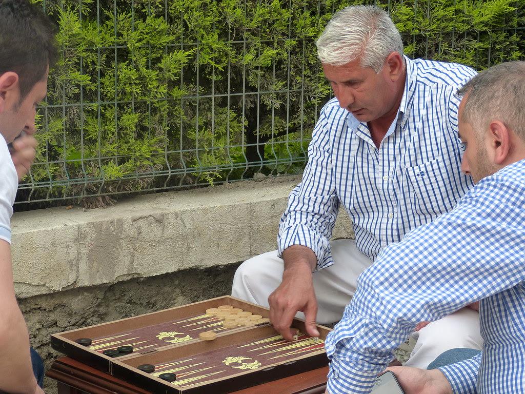 Playing Backgammon, Istanbul