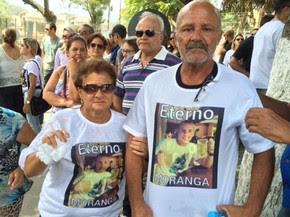 Pais de Bruno estão inconsoláveis com o assassinato do filho mais novo (Foto: Cristina Boeckel/G1)