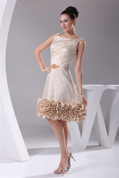 Unique Tulle Lace Short Champagne Formal Dress with