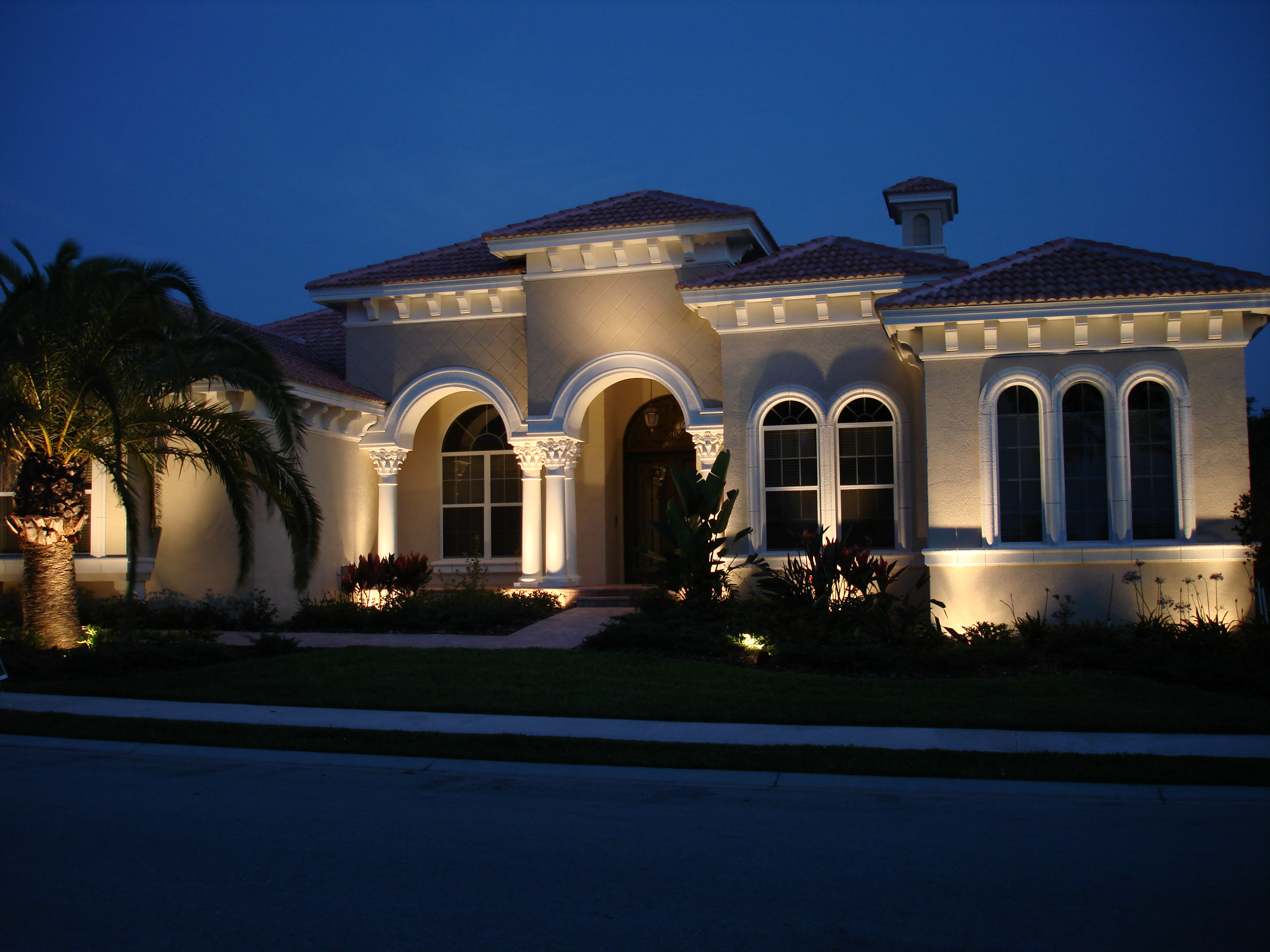Outdoor Lighting Effects - Kitchen Layout and Decorating Ideas