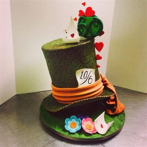17 Best images about Cakes   Alice in Wonderland on