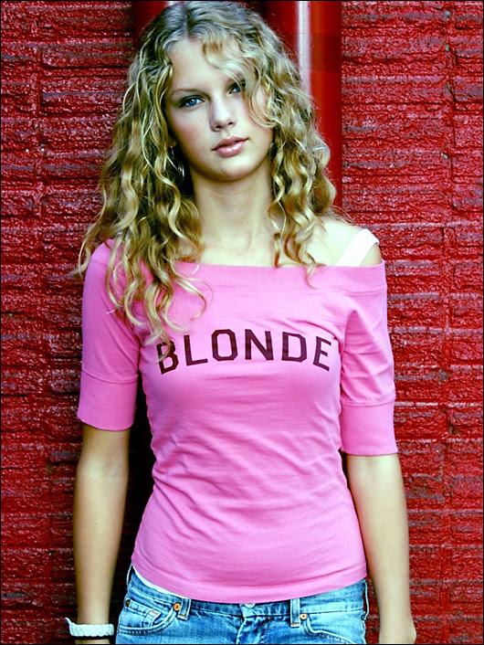 taylor swift teenage modeling picture