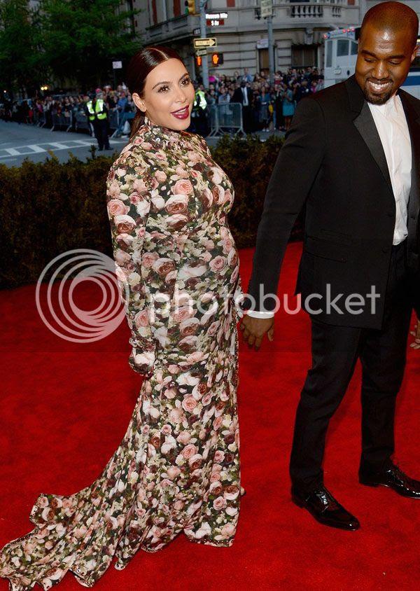 photo kim-kardashian-kanye-west-met-ball-2013-red-carpet-01_zps5d777034.jpg