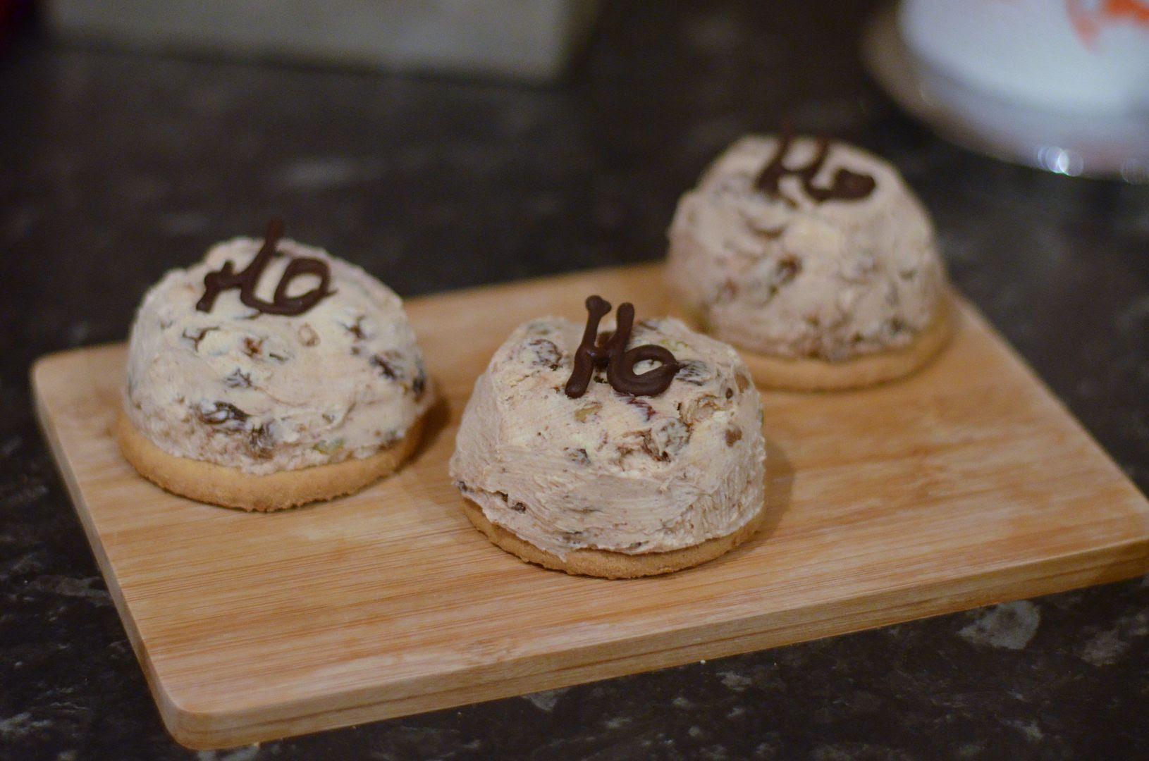 Mini Christmas Pudding Cheesecakes