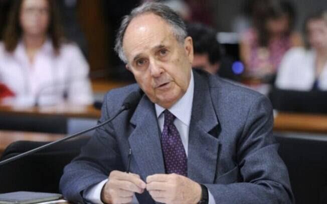 Senador Cristovam Buarque (PPS-DF) diz que levará em conta o