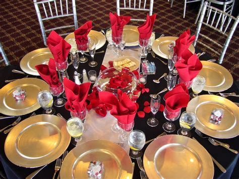 red black and gold decoration   Black with Red Table