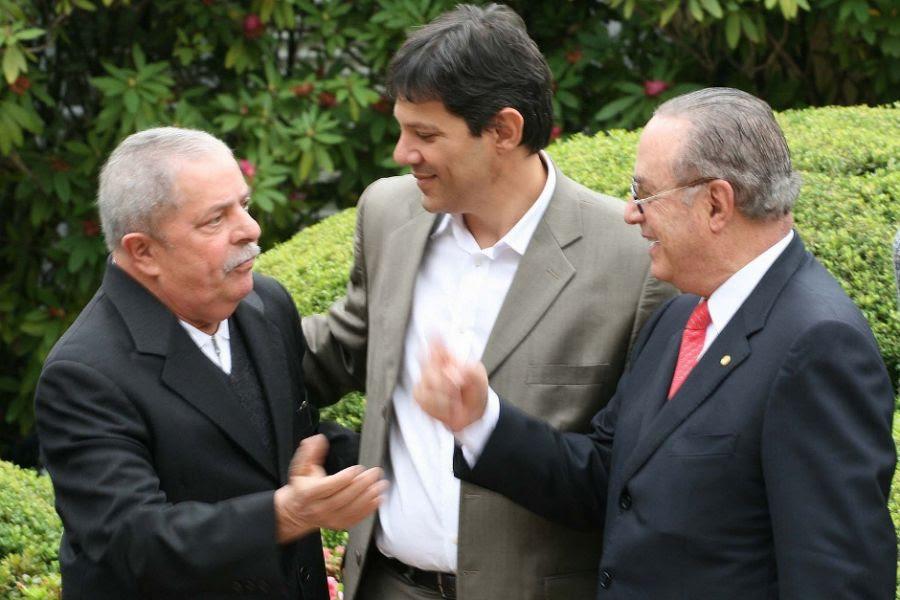 Foto de Lula com Maluf causou polêmica na internet / Mauricio Camargo/Futura Press