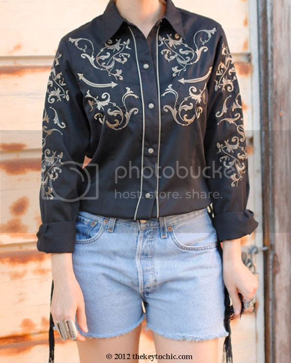 Roper Western blouse, cowgirl embroidered top, DIY fringe cutoff shorts, Levi's shorts, Los Angeles fashion blogger