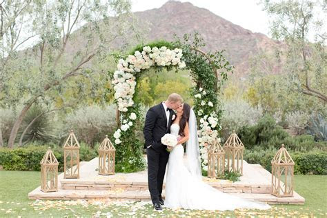 The Lens We Love for Wedding Ceremonies and Portraits