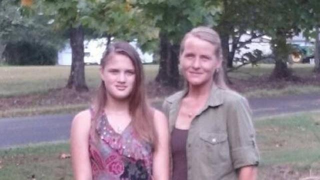 Savannah e a mãe biológica, Rebecca | Foto: Reprodução
