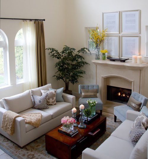 small scale light furniture decorating a small living room tips