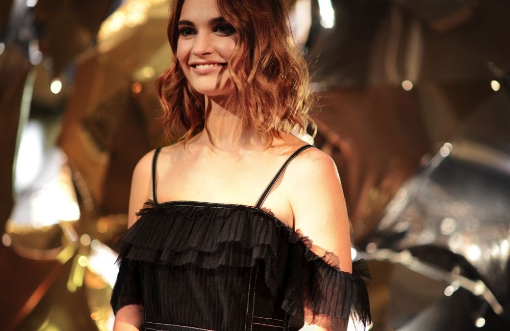 photo Lily James at the Burberry_Claridges Christmas Tree 2015 Event_zpstiidu02s.jpg