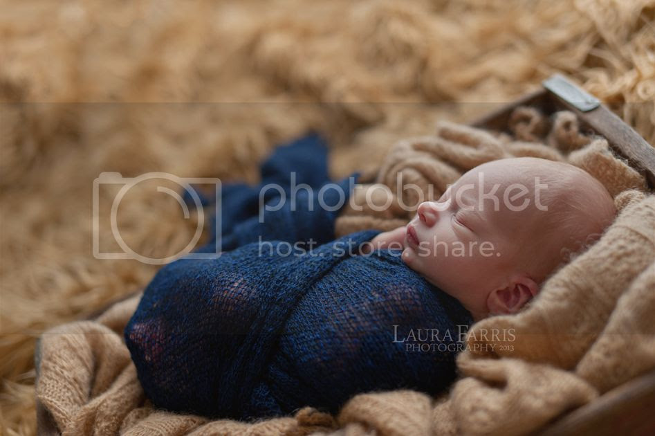 photo meridianidahonewbornphotographer_zpsba956804.jpg