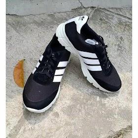 Sepatu Kets Pria Hitam Adidas