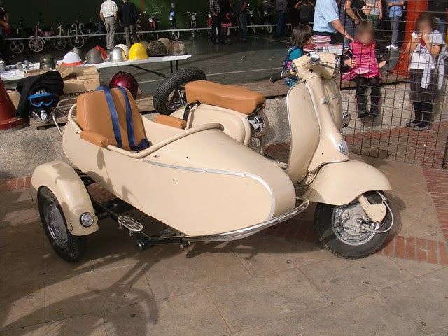 LAMBRETTA SIDE CAR