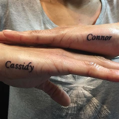 mom tattoo hand
