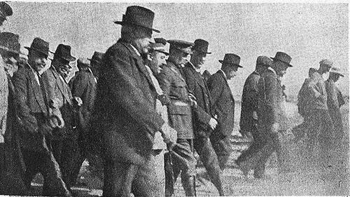 Entierro de las víctimas del accidente del avión AVRO en Sonseca en 1924. Diario El Castellano.