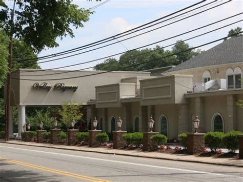 Clifton's Valley Regency wants to add hotel, outdoor