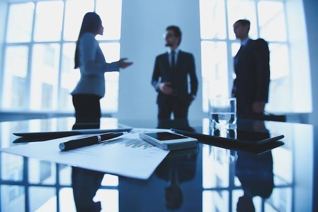 Figura aspiracional e hostilidade: aspectos da vida profissional
