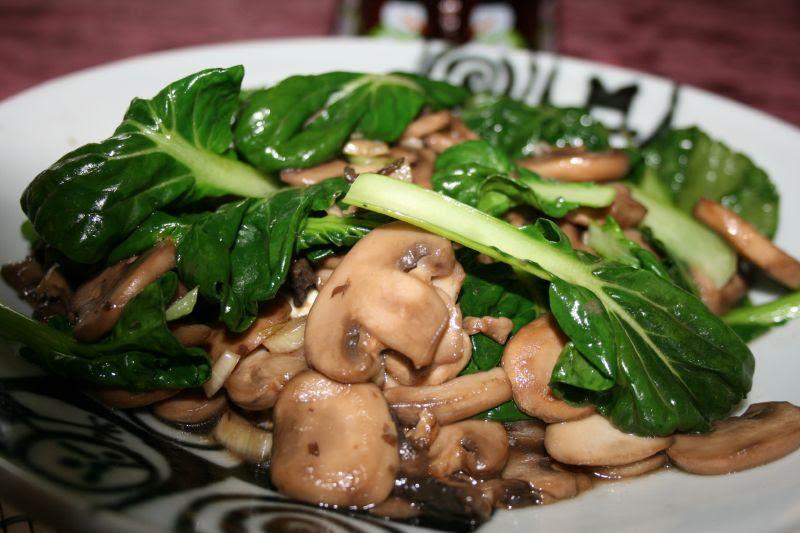 Tatsoi with Mushrooms and Garlic over Zaru Tofu 1