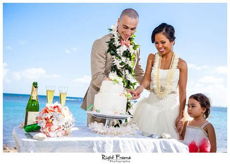 Wedding Photography Oahu Hawaii   Flora by RIGHT FRAME