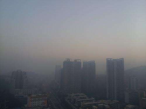 Xiamen: Good Morning misty Xiamen! (photo: Jan. 13, 2013)廈門:おはよう靄のアモイ!