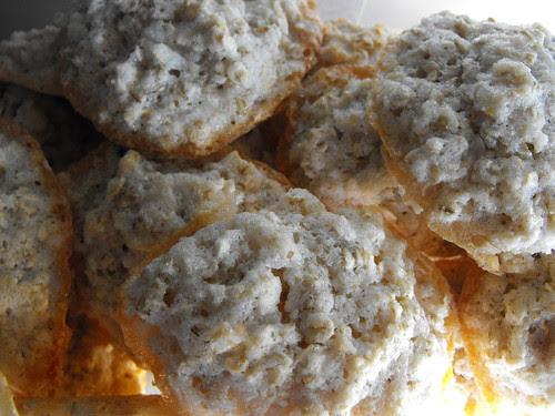 Biscoitos fofos de coco e aveia