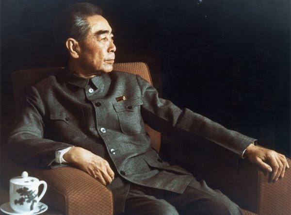 1973年的周恩来。他是中华人民共和国第一任总理。一本新书对周恩来的生活提供了一个激进的新解释:他可能是同性恋。