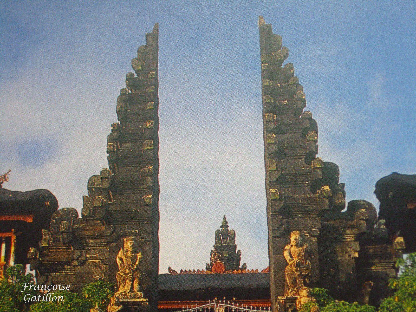 Bali Et Candi Bentar Gapura Porte Dentrée Des Temples Et Des