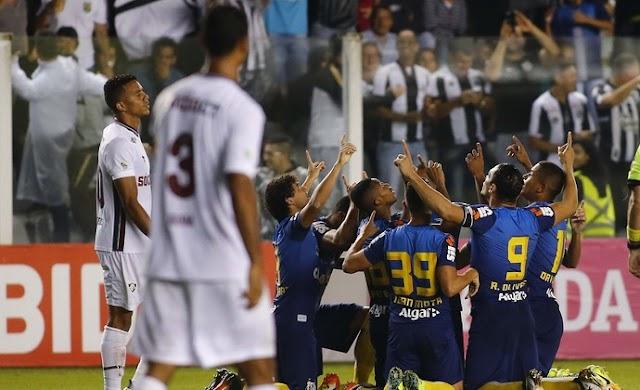 Santos bate o Flu na Vila por 2 x 1