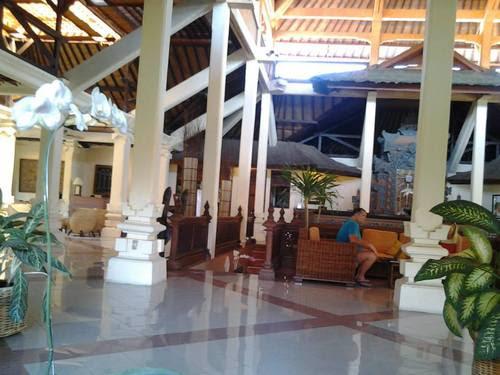 лобито на хотела