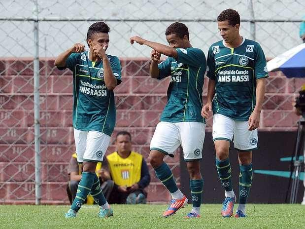Com grande atuação de goleiro Paulo Henrique, Goiás avançou à decisão da Copa SP 2013 Foto: Bruno Santos / Terra
