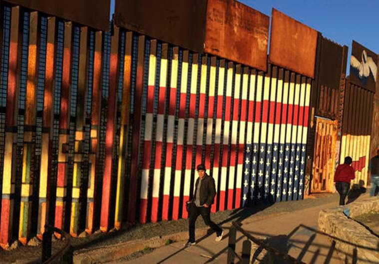 Judges side with Trump on mexico border wall case