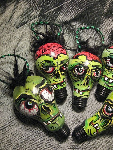 I luv these Zombie Ornaments