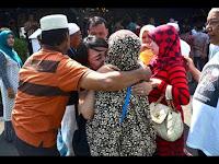 Kepulangan Jamaah Umrah Terlantar Disambut Isak Tangis