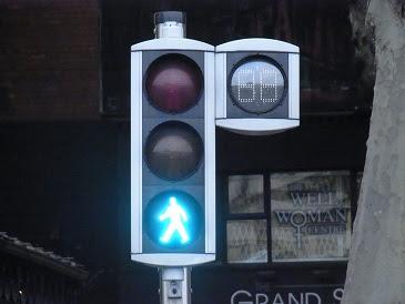 grün: Du darfst gehen auch wenn Du noch nicht auf der Straße bist