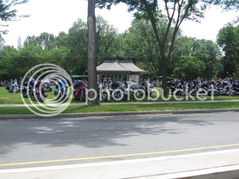 rolling thunder motorcycles arlington cemetary washington dc