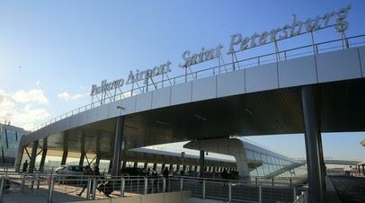 Летевший из Антальи самолёт перед посадкой в Пулкове попал