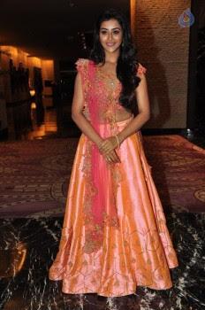 Pooja Jhaveri Photos - 4 of 42