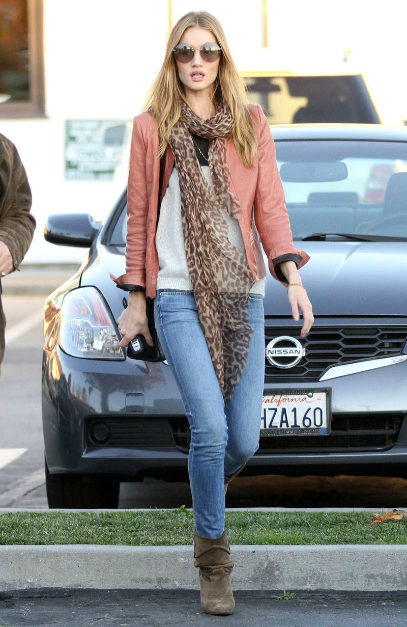 Fashion Model Rosie Huntington-Whiteley Style inspiration, Fashion photography, Long hair