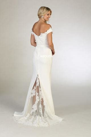 Informal Beach Gowns & Casual Wedding Dresses for Summer