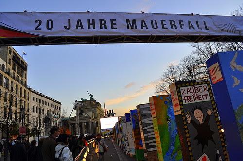 Dominosteine am Brandenburger Tor (38)