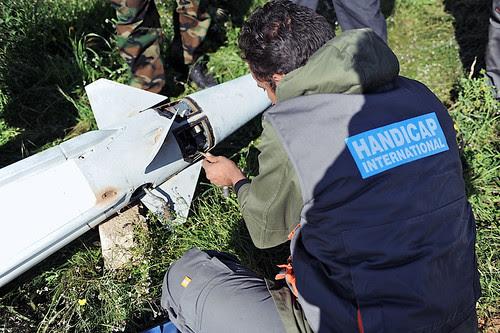 Libya: neutralizing anti-aircraft missiles