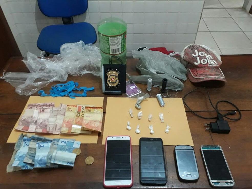 Produtos apreendidos durante a prisão do trio (Foto: Polícia Civil de Óbidos/Divulgação)