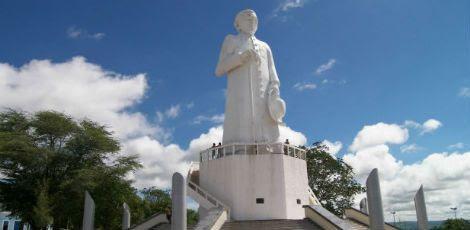 Considerado santo pelos nordestinos brasileiros, Padre Cícero agora poderá ser santificado pelo Vaticano / Foto: Reprodução / Internet