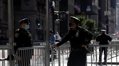 В Нью-Йорке проходят протесты против полицейского насилия